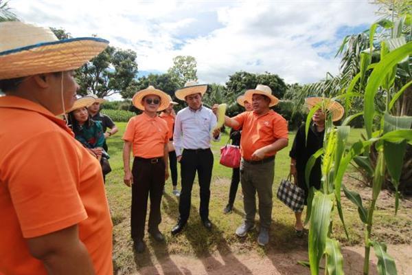 กสอ. ลงพื้นที่เยี่ยมชมต้นแบบเกษตรอุตสาหกรรมครบวงจร เตรียมผลักดันผู้ประกอบการไทยขึ้นแท่น เอสเอมอี สมาร์ทฟาร์มเมอร์